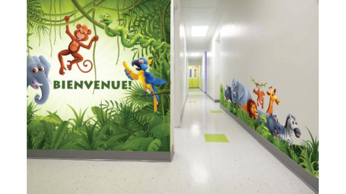 murale corridor jungle